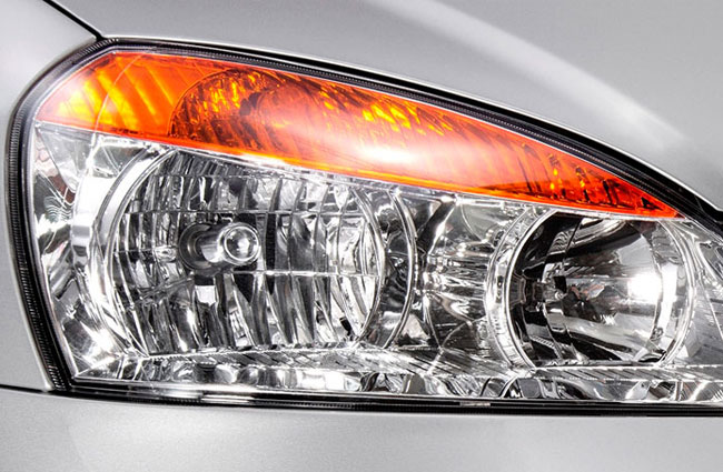 Tata Indica e-Xeta Stylish Headlamps