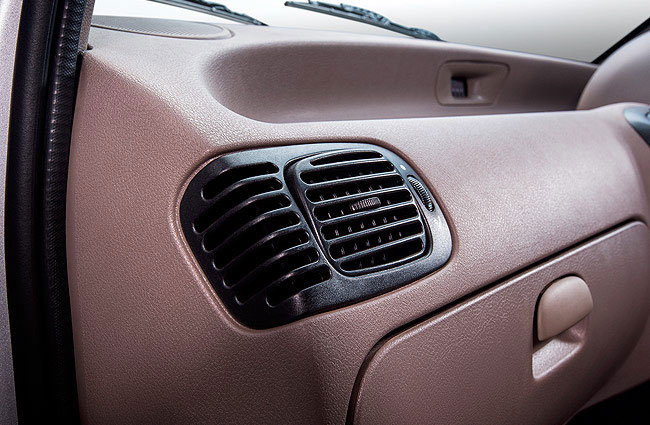 Tata Indica e-Xeta Air Flow control on Front Vents