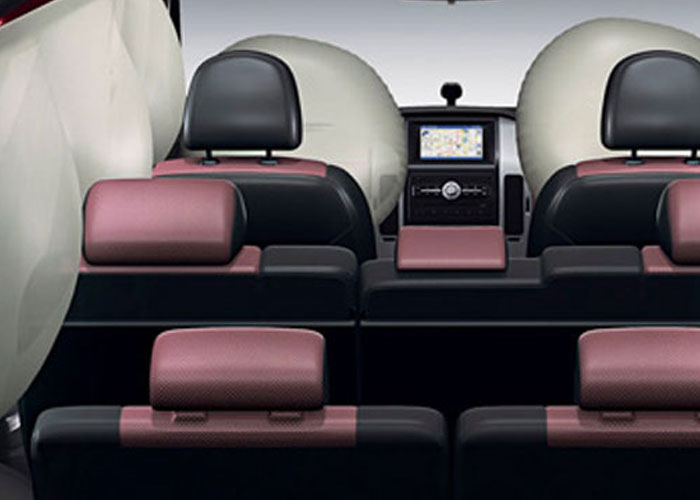 Driver and passenger Air bags, Side Airbags, Curtain Airbags
